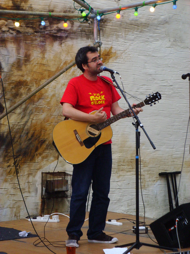 I did two gigs - first of all outside a pub in the town on the Saturday evening.